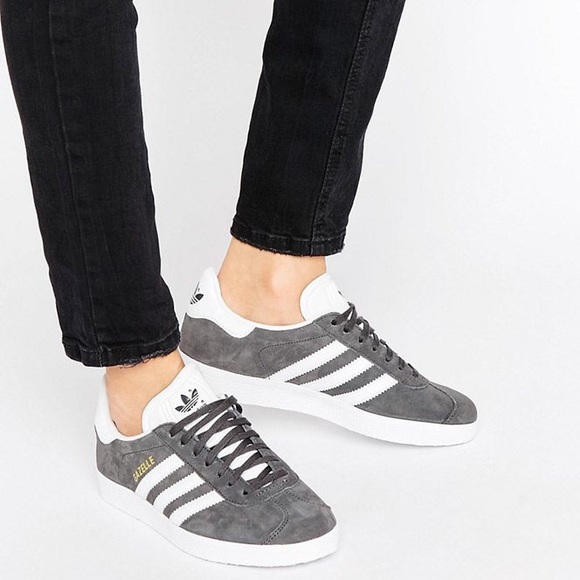 Repetirse sin embargo evaluar  adidas Shoes | Adidas Gazelle Suede Sneakers Dark Grey 6m8f | Poshmark